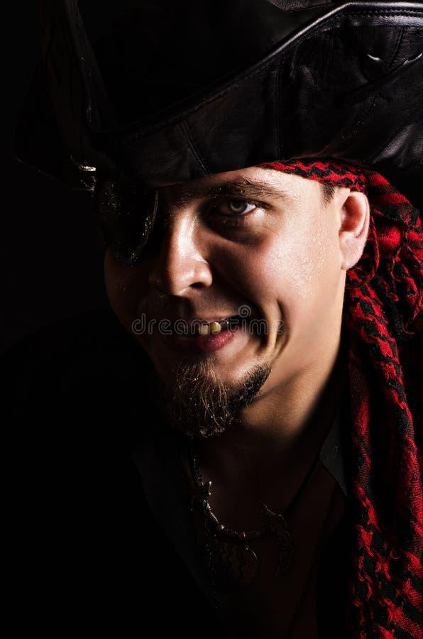 Schlechter grinsender Pirat lizenzfreie stockfotos