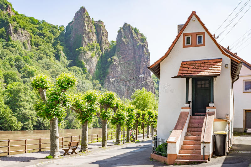 Schlechter Muenster morgens Stein, Deutschland, Rheinland-Pfalz nahe schlechtem Kr stockbild