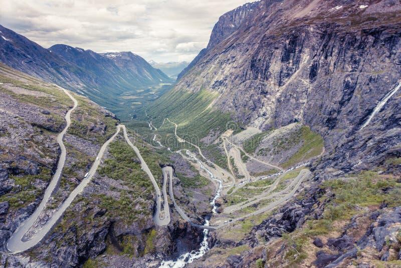 Schleppangel-Weg Trollstigen-Gebirgsstraße in Norwegen stockbild