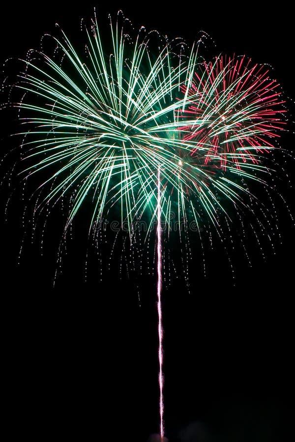 Schleppendes Feuerwerk lizenzfreies stockbild