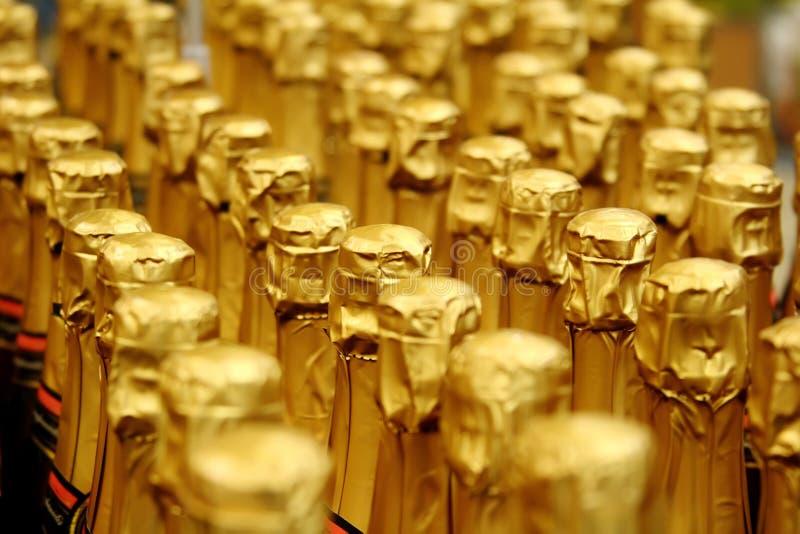 Schließen Sie herauf Ansicht der Champagne-Flasche stockfotos