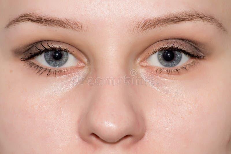 Schließen Sie herauf Augengesicht lizenzfreie stockfotografie