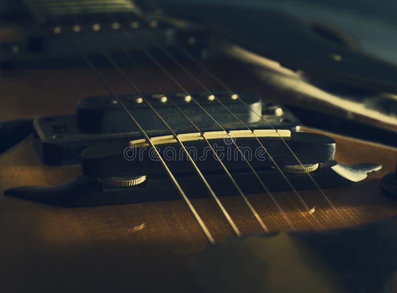 Schließen Sie herauf Bild der E-Gitarre lizenzfreies stockbild