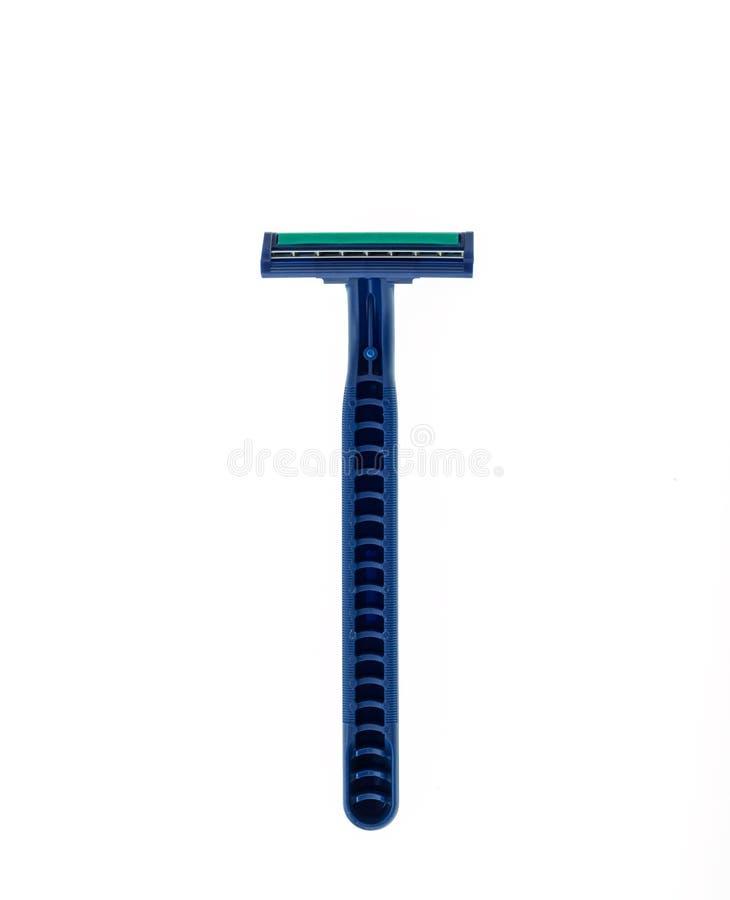 Schließen Sie herauf den neuen blauen Rasierapparat, der auf Weiß lokalisiert wird stockfotos
