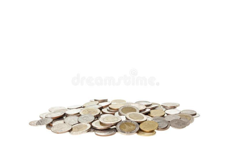 Schließen Sie herauf den Stapel des thailändischen Geldes lokalisiert auf Weiß stockbilder