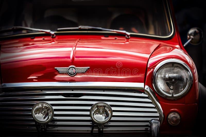 Schließen Sie herauf Detail von wieder hergestelltem klassischem britischem Motor- Mini lizenzfreie stockbilder