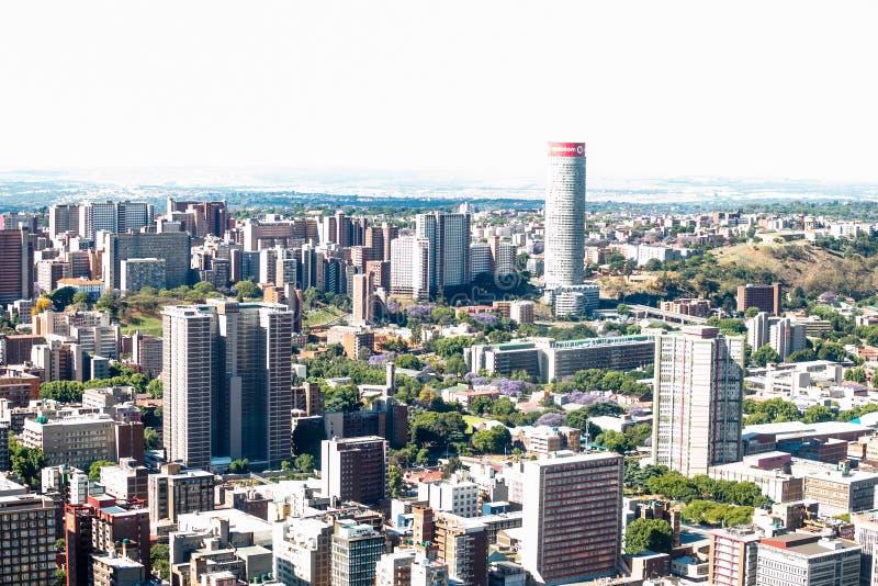Schließen Sie herauf Detail von Wolkenkratzern in im Stadtzentrum gelegenem Johannesburg stockbilder