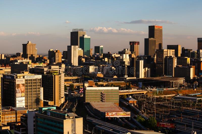 Schließen Sie herauf Detail von Wolkenkratzern in im Stadtzentrum gelegenem Johannesburg lizenzfreies stockfoto