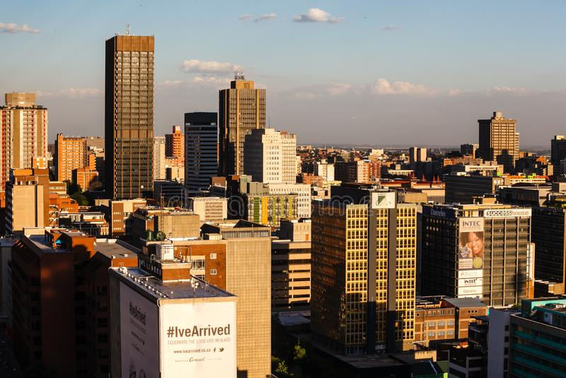 Schließen Sie herauf Detail von Wolkenkratzern in im Stadtzentrum gelegenem Johannesburg lizenzfreie stockfotografie