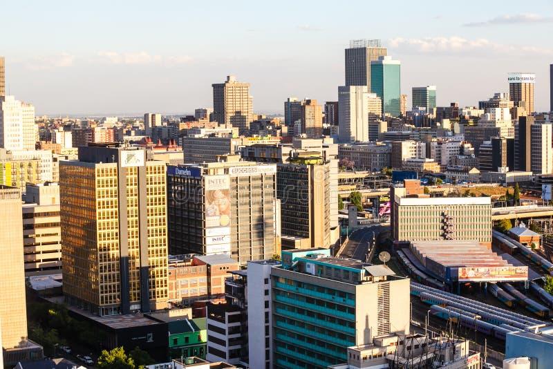 Schließen Sie herauf Detail von Wolkenkratzern in im Stadtzentrum gelegenem Johannesburg lizenzfreies stockbild