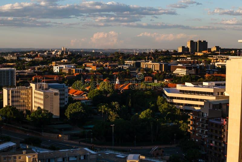 Schließen Sie herauf Detail von Wolkenkratzern in im Stadtzentrum gelegenem Johannesburg stockfotos