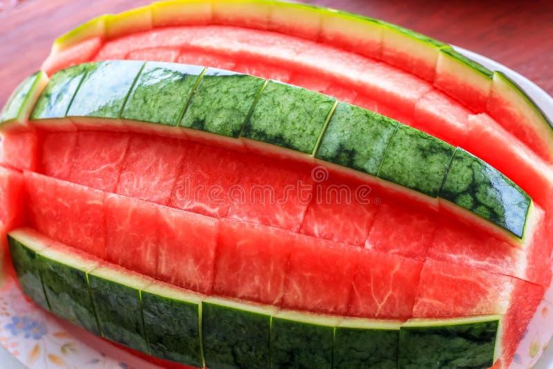 Schließen Sie herauf Draufsichtart der abgezogenen essfertigen Wassermelone lizenzfreie stockfotografie