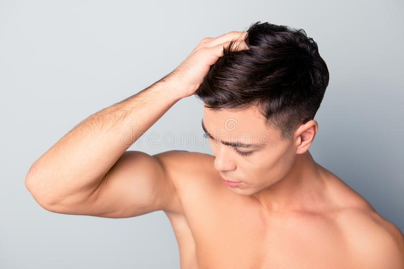 Schließen Sie herauf Draufsichtfoto von sauberem klarem glatt machen, frisches Haar der Gesundheit lizenzfreies stockbild