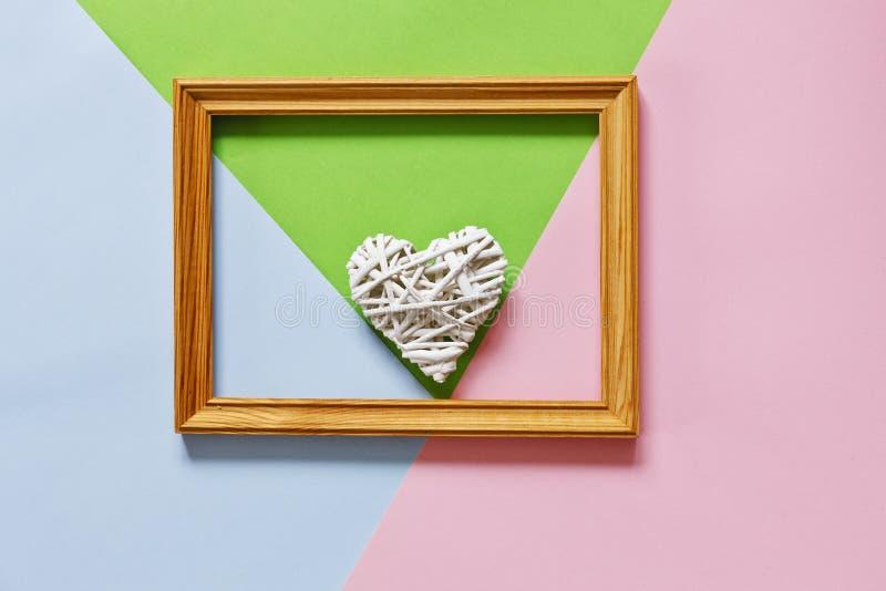 Schließen Sie herauf Foto für glücklichen Mutter ` s Tag auf dem Pastell-Süßigkeits-Farbhintergrund lizenzfreie stockbilder