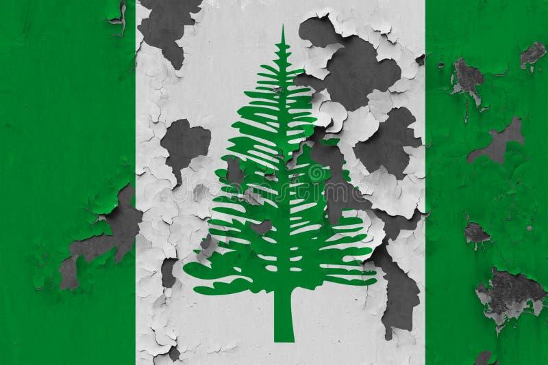Schließen Sie herauf grungy, schädigende und verwitterte Norfolk-Inselflagge auf der Wand, die weg von der Farbe abzieht, um Inne vektor abbildung