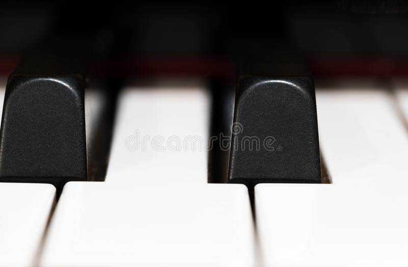 Schließen Sie herauf Klavierschlüssel lizenzfreies stockbild