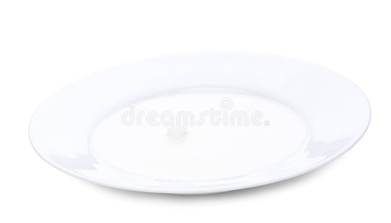 Schließen Sie herauf Milchspritzen Horizontale Nahaufnahme, lokalisiert über Weiß lizenzfreie stockfotos