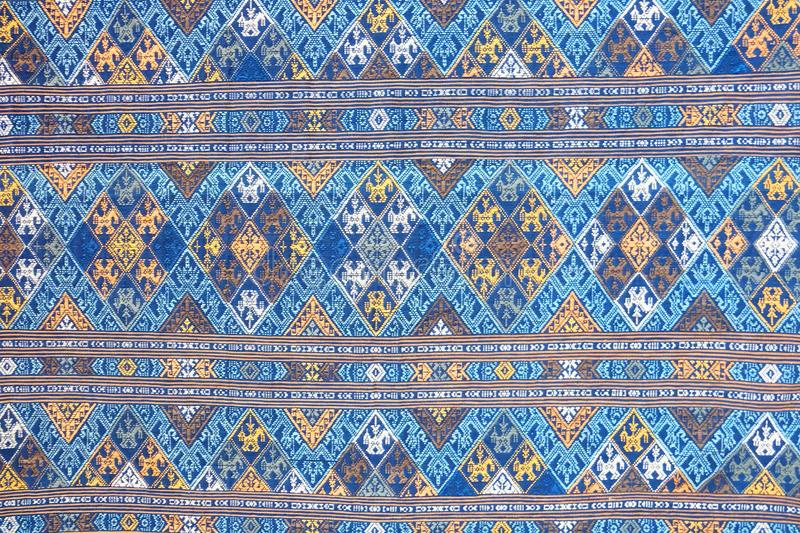 Schließen Sie herauf Muster-Beschaffenheitshintergrund der thailändischen Art silk stockfotos