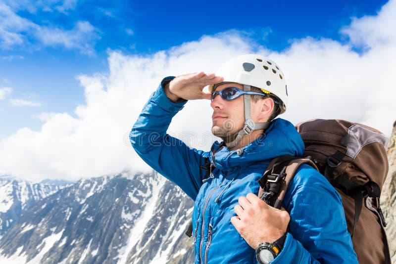 Schließen Sie herauf Porträt des Bergsteigers stockfoto