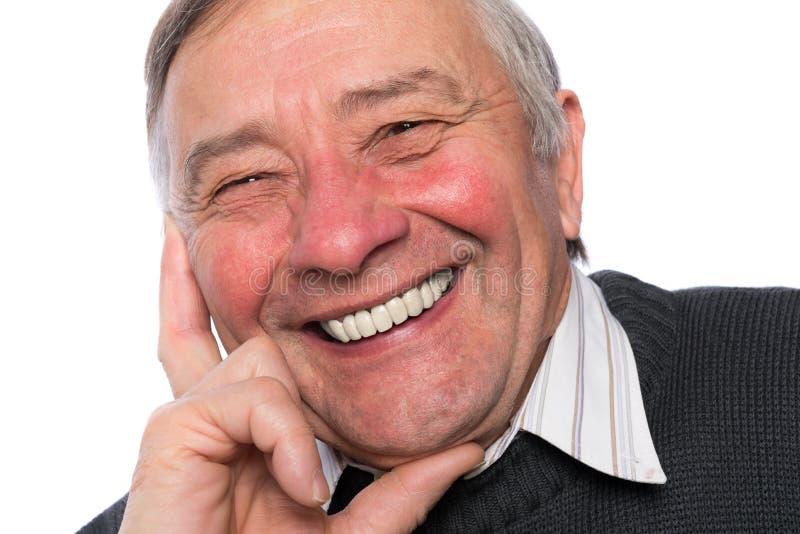 Schließen Sie herauf Porträt eines eleganten älteren Mannes, der auf weißem BAC lokalisiert wird lizenzfreie stockbilder