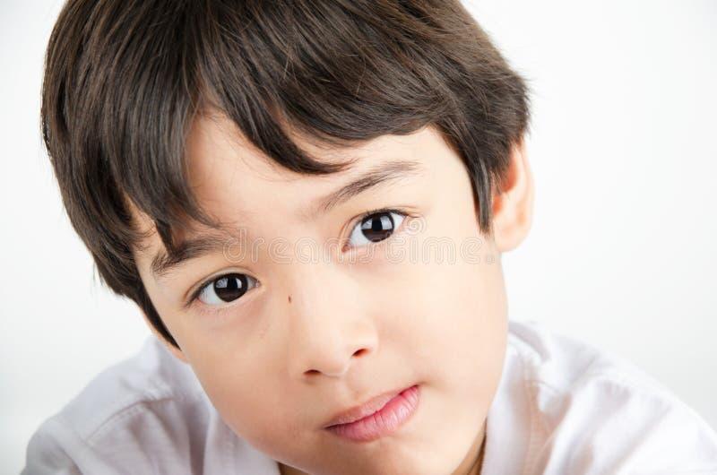 Schließen Sie herauf schöne Augen des asiatischen Jungen des Gesichtsporträts stockbilder