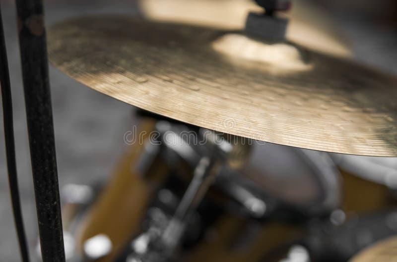 Schließen Sie oben auf einem Detail einer Trommelausrüstung stockfoto