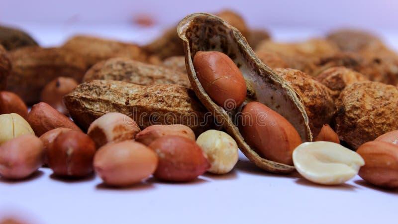 Schließen Sie oben vom Bündel Erdnüssen lizenzfreie stockfotos