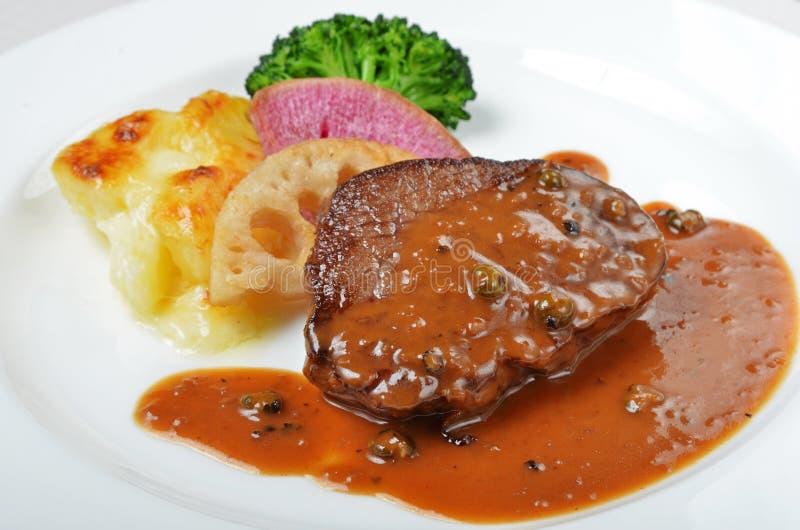 Schließen Sie oben vom Beefsteak lizenzfreie stockfotografie