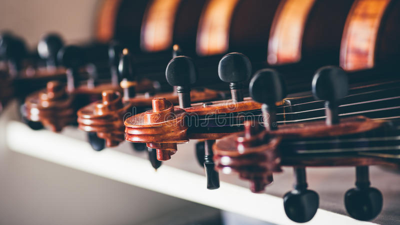 Schließen Sie oben vom Detail der Violine lizenzfreies stockbild