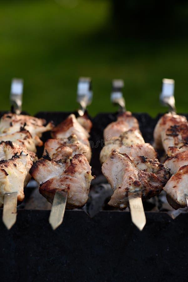 schließen Sie oben vom Schweinefleischkebab lizenzfreies stockbild