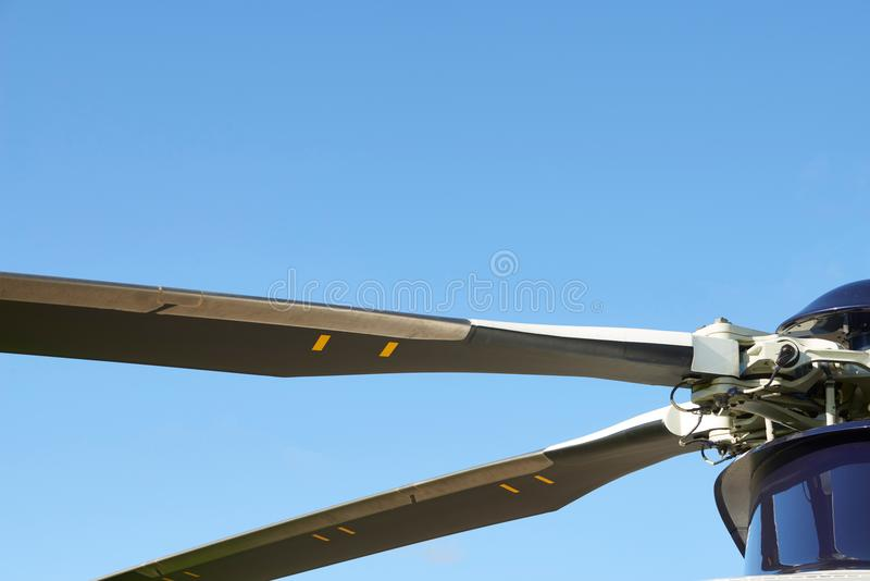 Schließen Sie oben von den Hubschrauber-Läuferschaufeln lizenzfreies stockbild