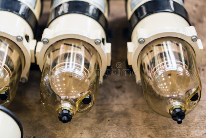 Schließen Sie oben von den Kraftstofffiltern für Dieselmotoren stockbilder