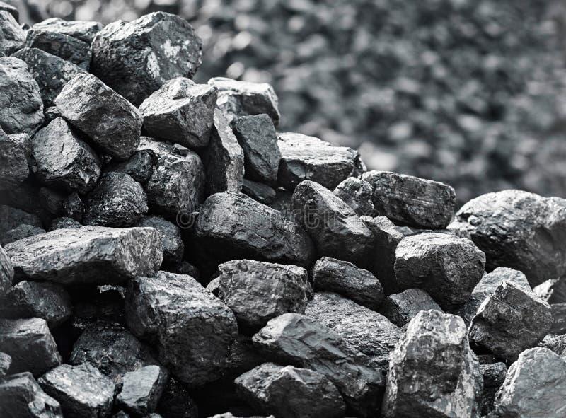 Schließen Sie oben von der Kohle Haufen der Kohle lizenzfreie stockbilder