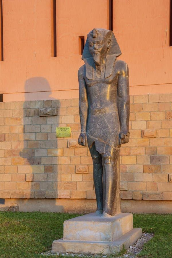 Schließen Sie oben von der Statue von Amenhotep III stockfoto
