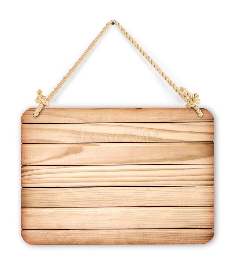 Schließen Sie oben von einem leeren Holzschild, das an einem Seil auf Weißrückseite hängt stockfotografie