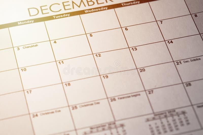 Schließen Sie oben von einem täglichen Planer oder tragen Sie mit einer schriftlichen Mitteilung für eine Feier oder einen Feiert lizenzfreie stockfotografie