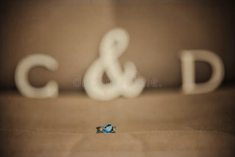 Schließen Sie oben von einem Verlobungsring stockbilder