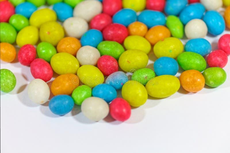 Schließen Sie oben von sortierte Geleebonbons Bunter süßer Süßigkeitshintergrund Flache Schärfentiefe stockbild