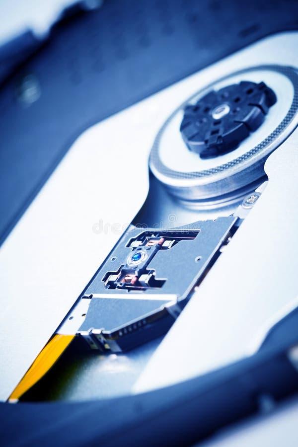 Schließen Sie herauf - Laser-Kopflinse von CD dvd dvdrw optischem Laufwerk stockfotos