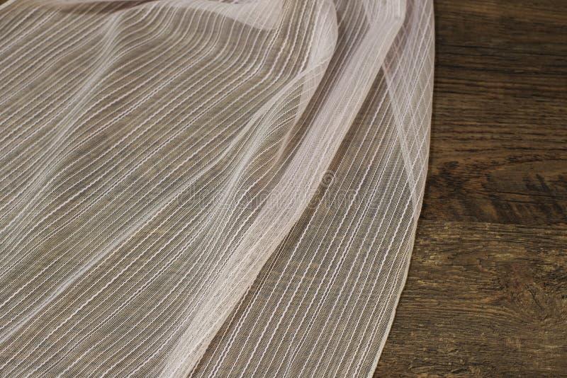 Schließen Sie oben von schönem weißem Tulle Bloße Vorhang-Gewebe-Probe Beschaffenheit, Hintergrund, Muster Wiedergabe 3D Büroräum lizenzfreie stockfotografie