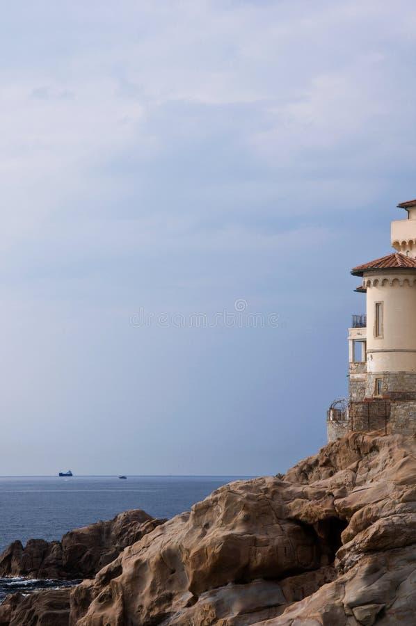 Schloss auf Klippen Livorno stockfotos