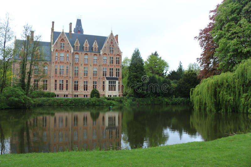 Schloss Belgien Europa Doolhof Loppem lizenzfreie stockfotografie