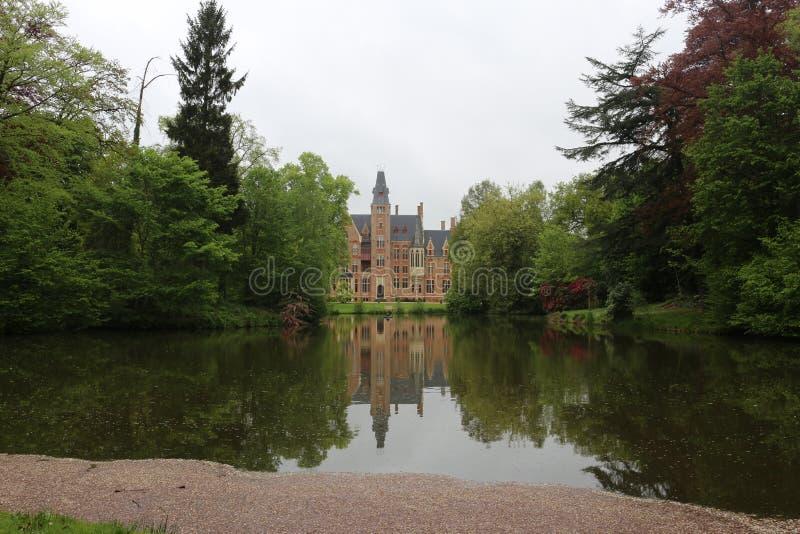 Schloss Belgien Europa Doolhof Loppem lizenzfreie stockbilder