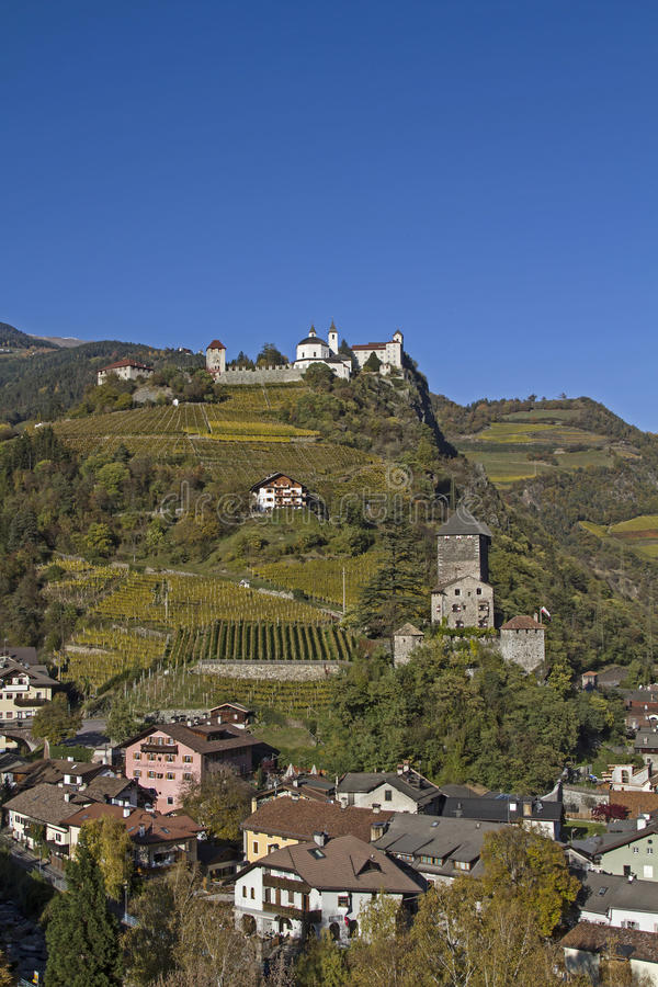 Schloss Branzoll und Kloster Saeben stockbilder