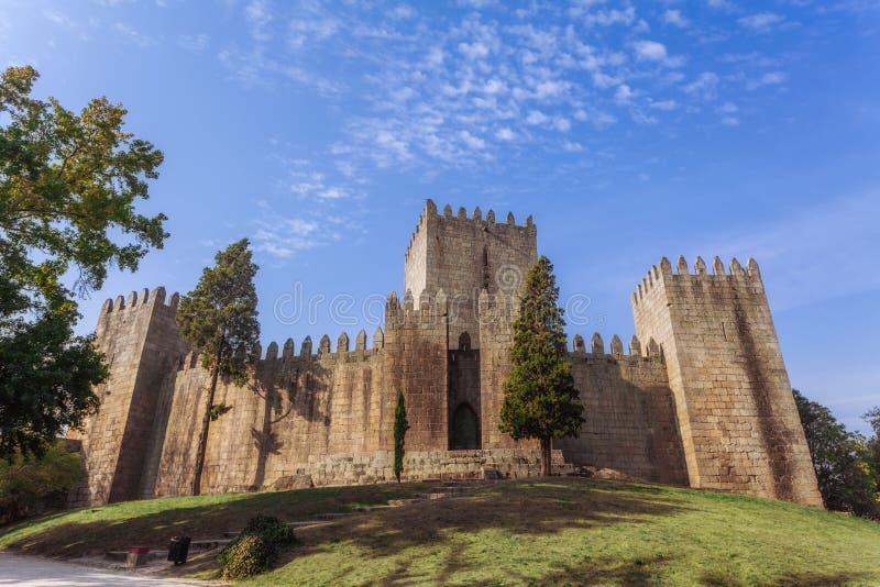 Schloss Castelo Des Guimaraes Das meiste berühmte Schloss in Portugal Geburtsort des ersten portugiesischen Königs stockbild