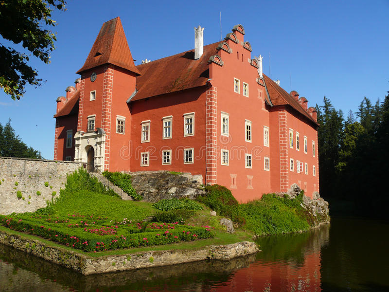Schloss Cervena lhota lizenzfreie stockfotografie