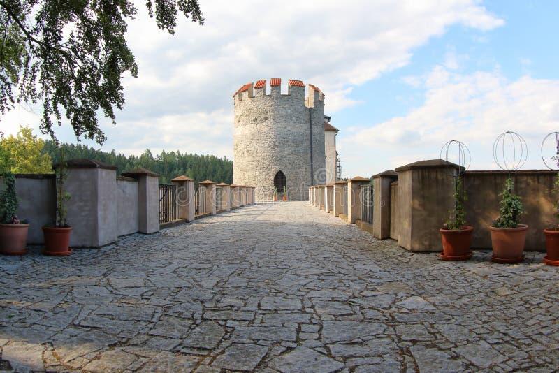 Schloss Cesky Sternberk, Czechia lizenzfreie stockfotografie