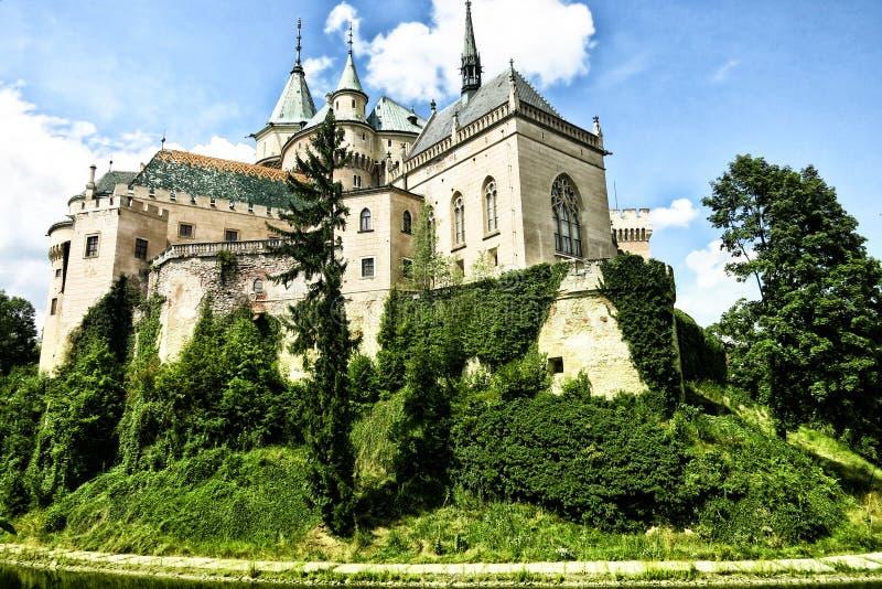 Schloss in der Landschaft stockbilder