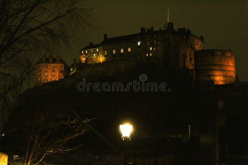 Schloss in der Nacht Schottland lizenzfreie stockbilder