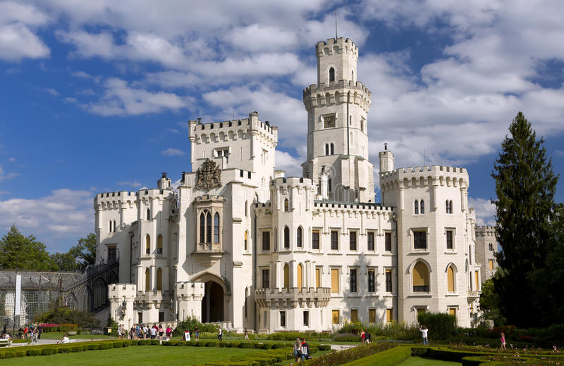 Schloss Hluboka nad Vltavou lizenzfreie stockfotos